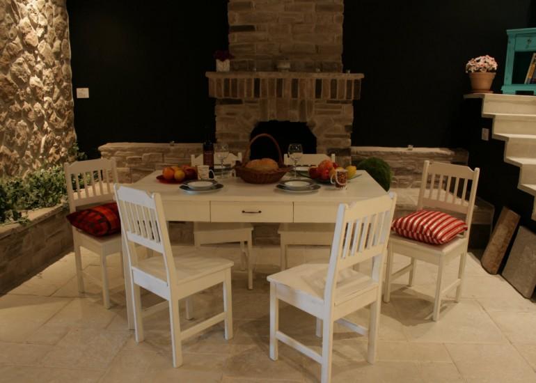 Kuhinjski stol s ladicom